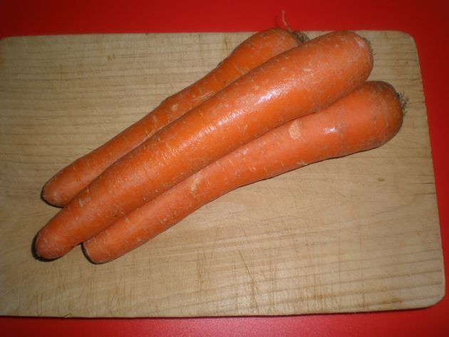 zanahoria1m - ▷ Cinta de lomo rellena de Salsa de frutos secos en reducción de vino tinto  